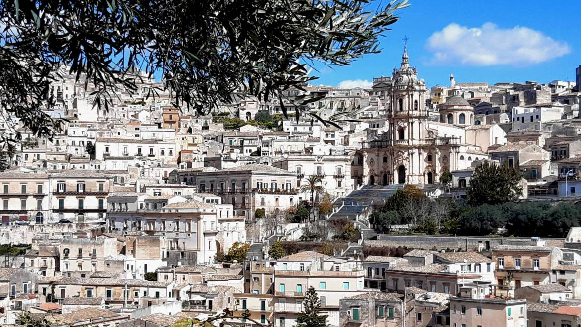 Between nature and the Baroque of Ragusa