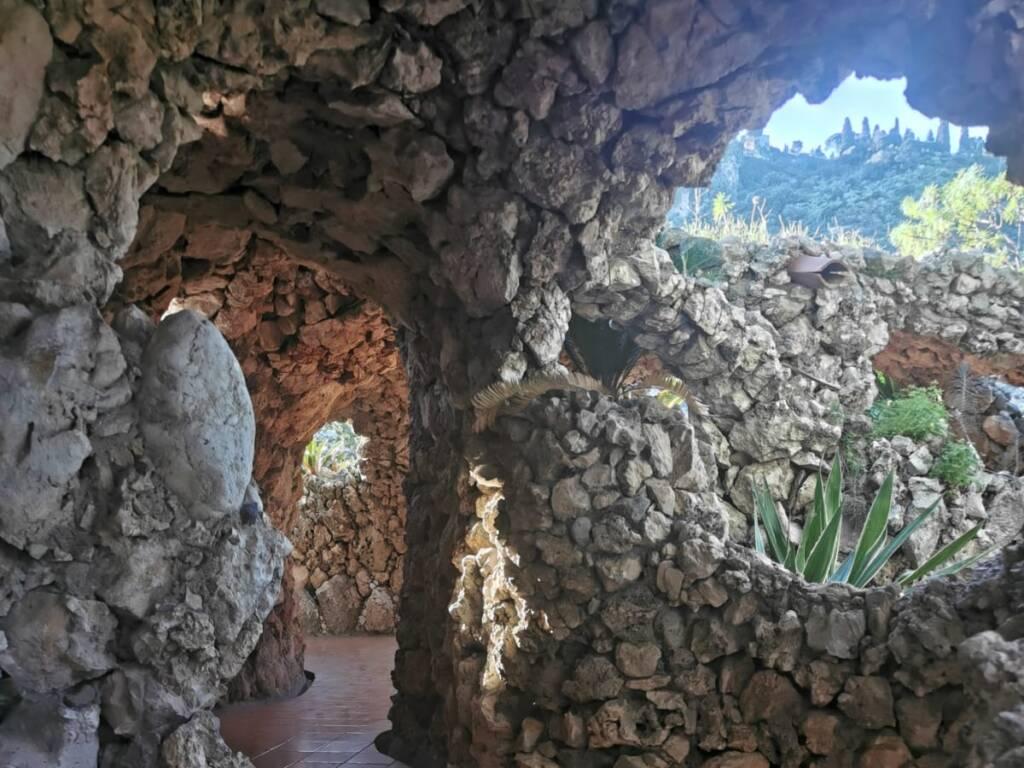 Grotta in pietra