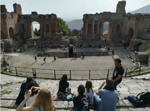 Guida e viaggiatori teatro greco Taormina