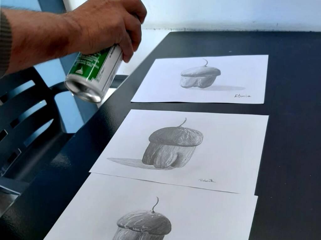 Finitura disegno su cartoncino