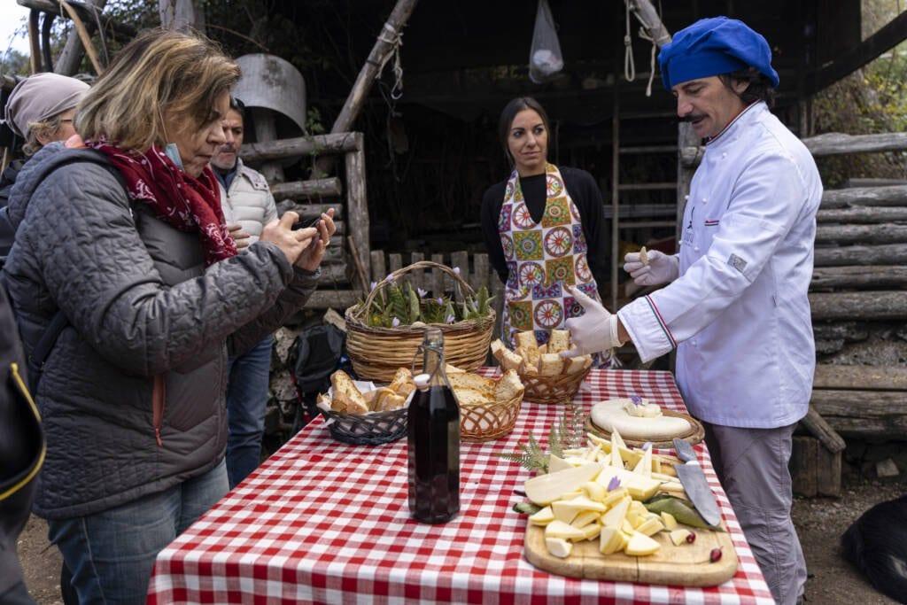 Descrizione chef pane e formaggi