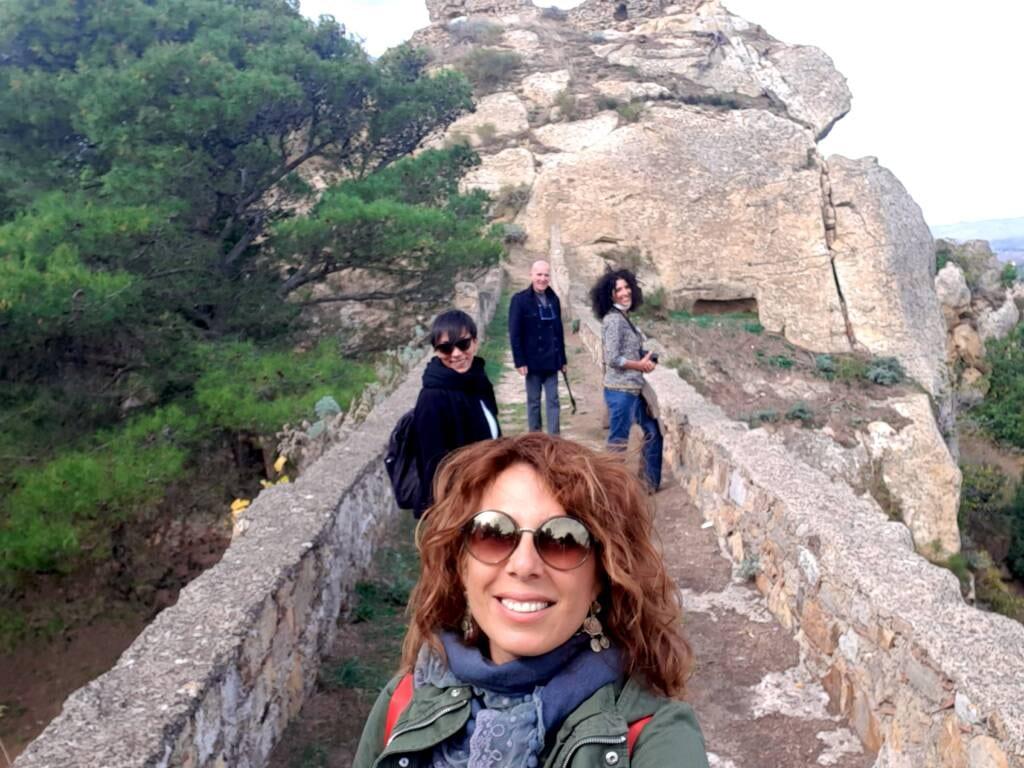 Isolane che visitano il castello di Nicosia
