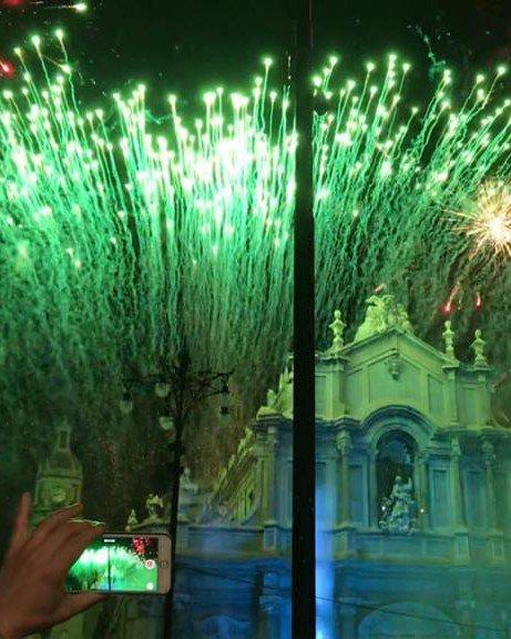 Vista del Duomo e fuochi pirotecnici