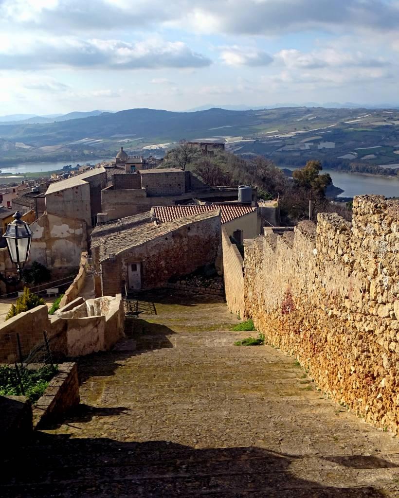 Vista di Naro dal Castello