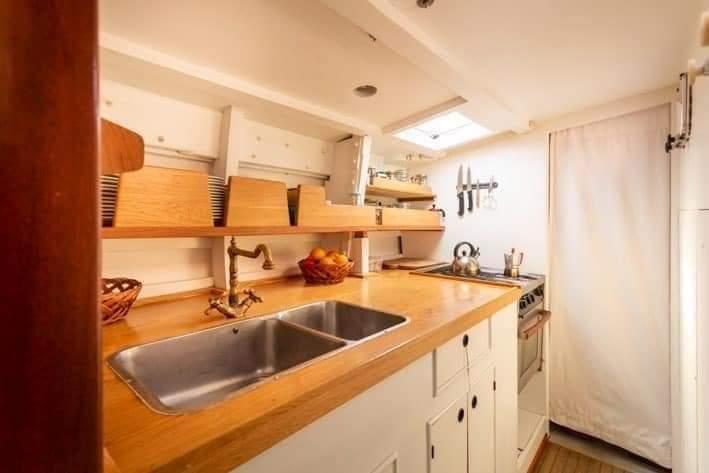 zona cucina barca a vela